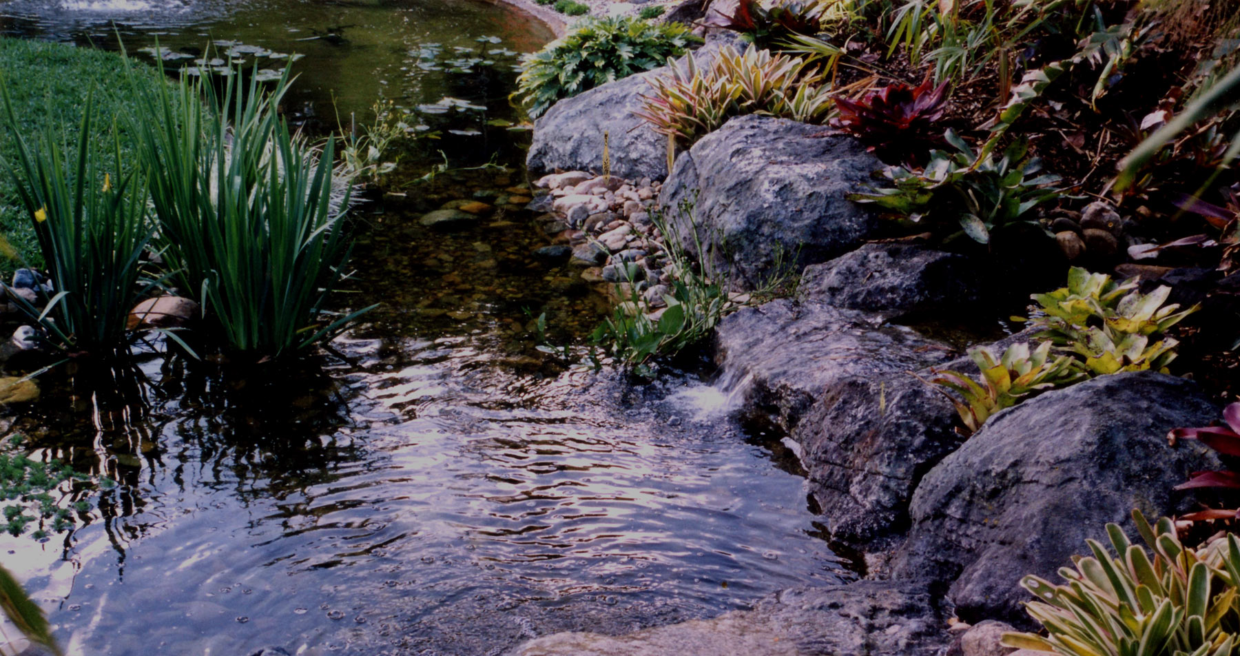 ArtificialRock-fake-garden-rock-ponds